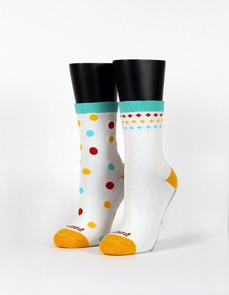 霓彩派對不對稱襪