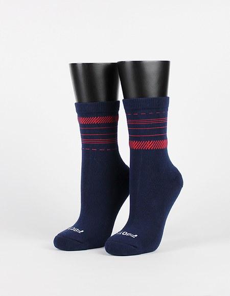 藏在細節裡的不對稱襪