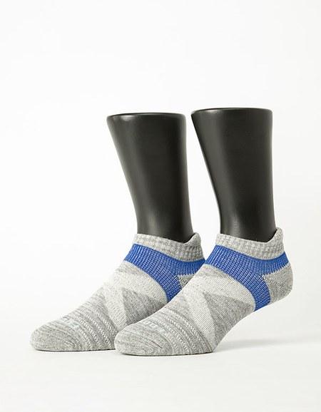 特-繽紛花紗輕壓力足弓船短襪