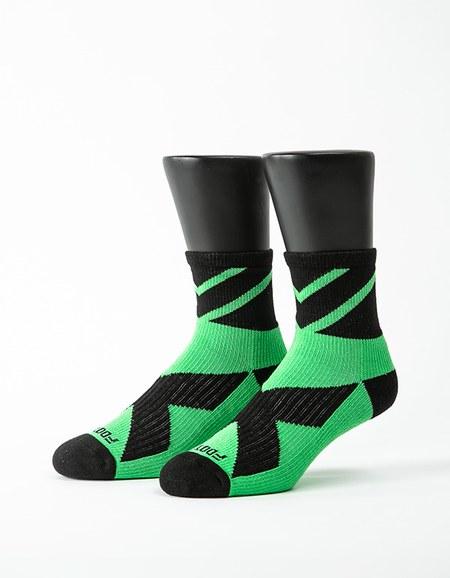 超越極限運動輕壓力襪